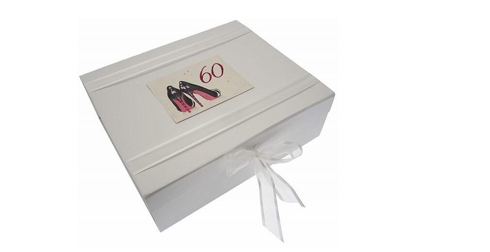 Caja decorada para guardar Zapatos de recuerdo